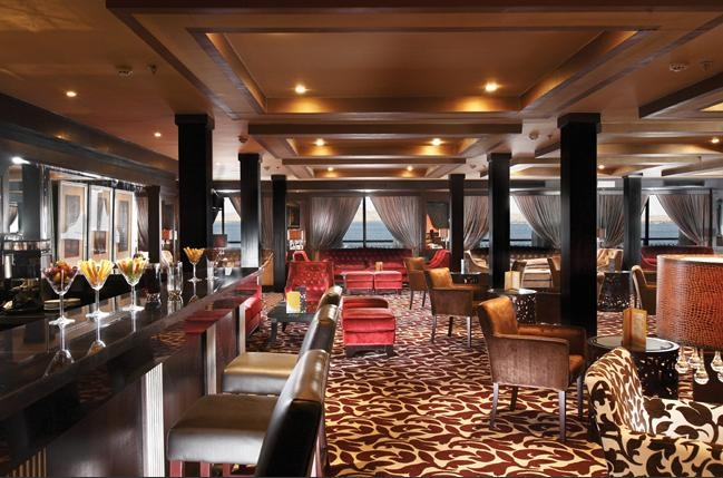 Omar El Khayam Lake Cruise Lounge Bar