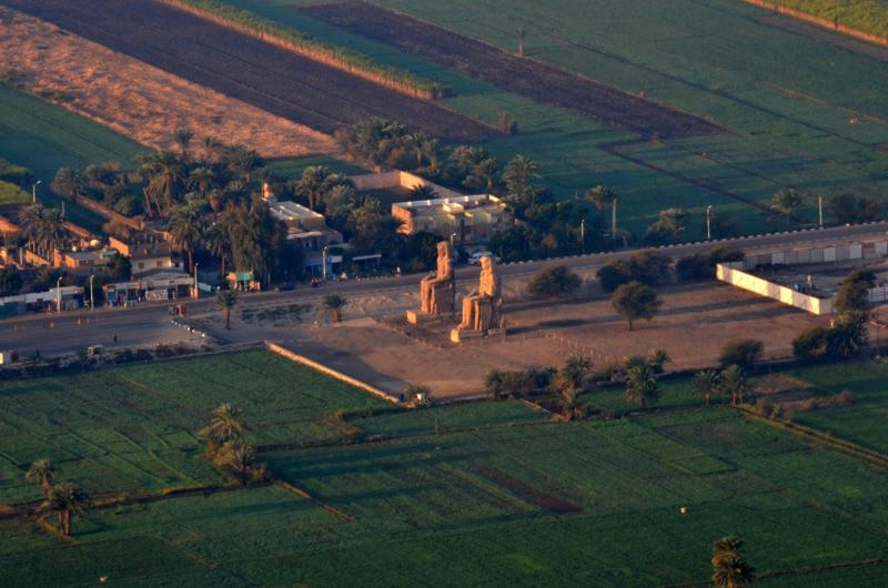 I Colossi di Memnone, Riva Ovest