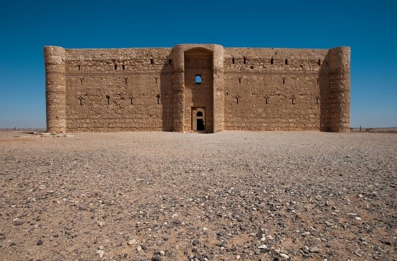 ヨルダンの砂漠の城半日ツアー