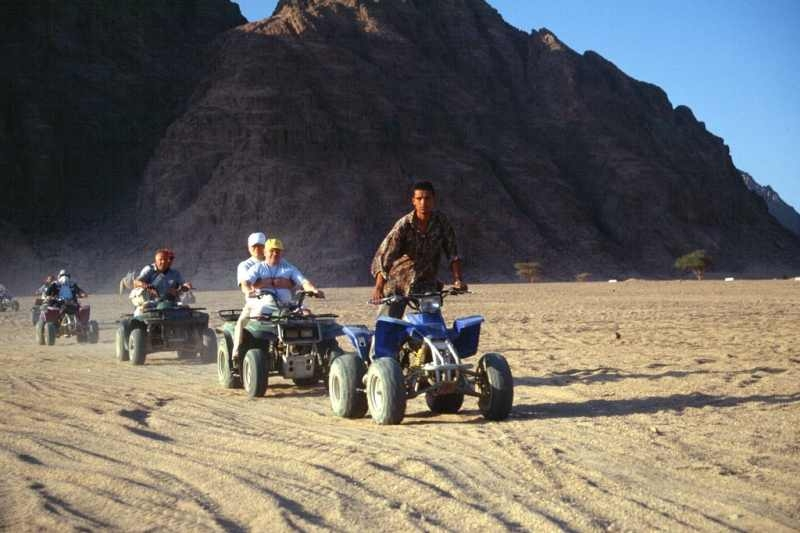 Quad dans le désert du Sinaï