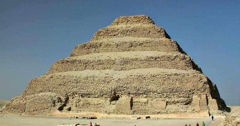 La pyramide à degrés à Saqqarah