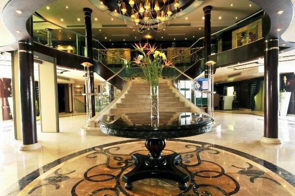 MS Royal Viking Nile Cruise Lobby