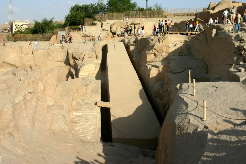O Obelisco inacabado