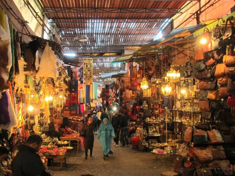 Souk dans la medina de Meknès