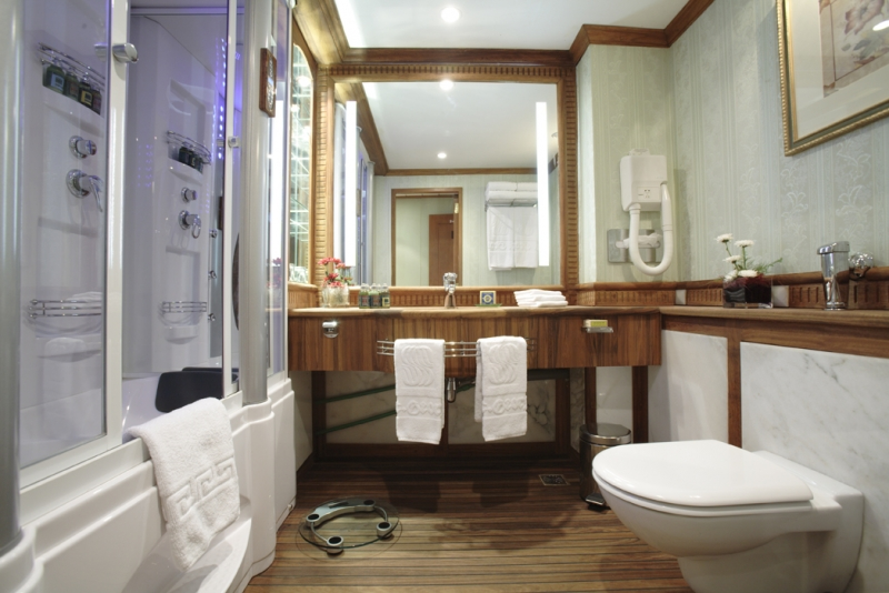 Sonesta St George Nile Cruise Bathroom