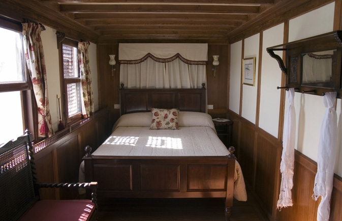 Luxury El Bey Dahabiya Nile cruise Cabin