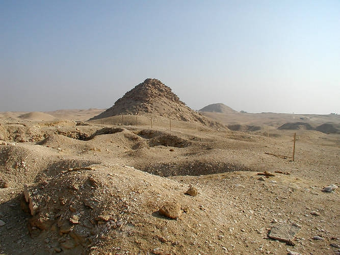 Pyramid of Userkaf, Egypt Pyramids