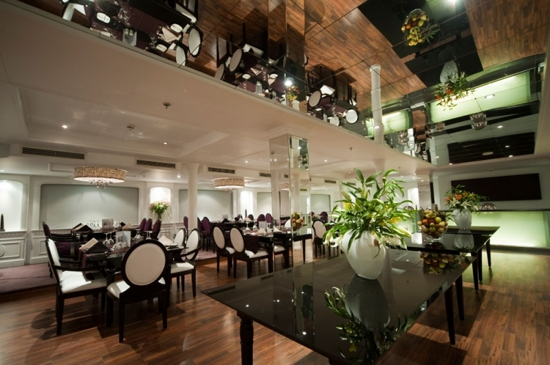 ファラーナイルクルーズのレストラン