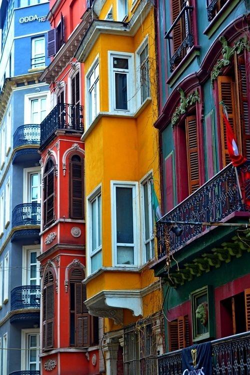 MEZZA GIORNATA IN ISTANBUL