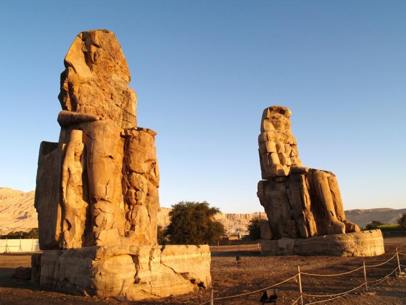 Colossi di Memnone, Riva Ovest