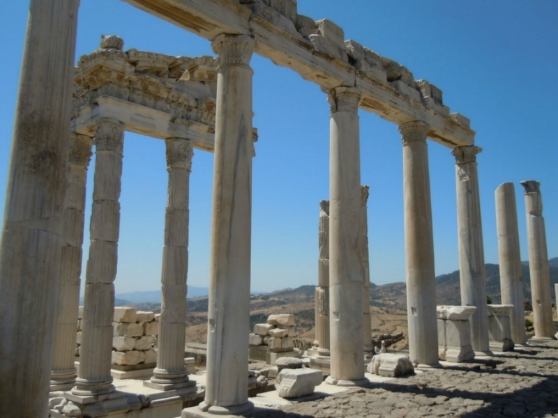 Los restos del acrópolis en Bergama
