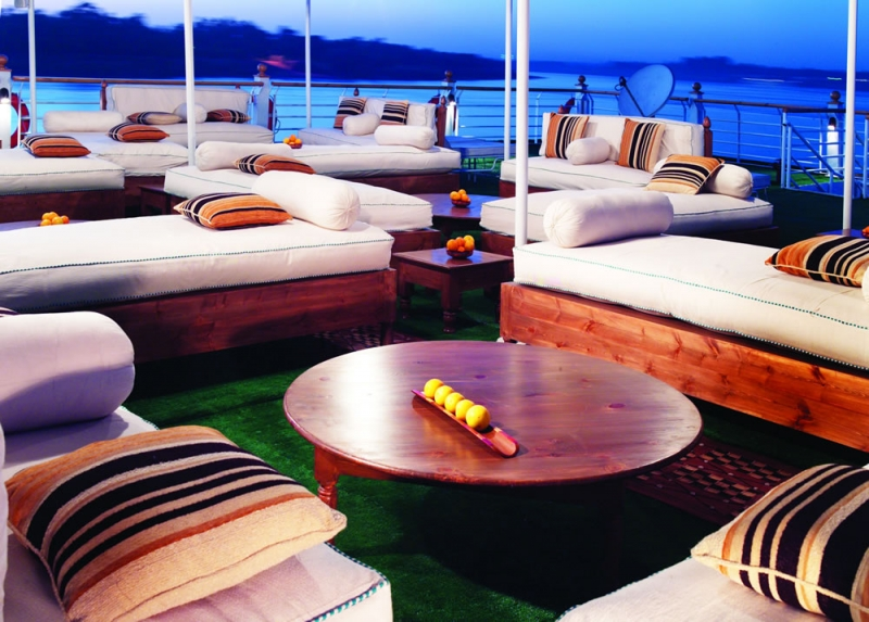 Sundeck of Mövenpick Royal Lotus