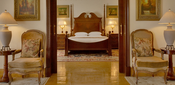 Royal Villa Bedroom