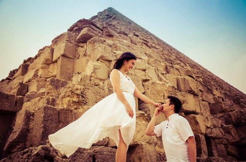 Honeymooning at the Pyramids