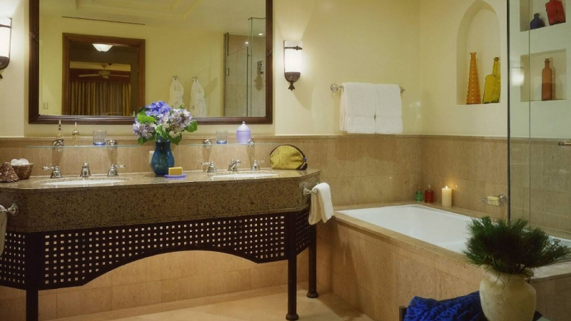 Four Seasons Resort Bathroom
