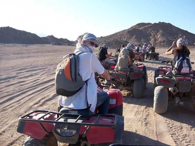 Excursion en quad dans le désert