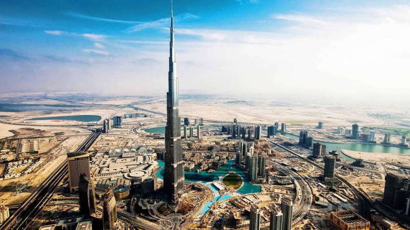 Burj Khalifa, the Magnificent Centerpiece of Downtown Dubai