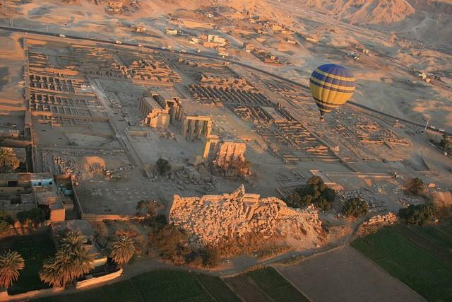 Полет на воздушном шаре над Луксором