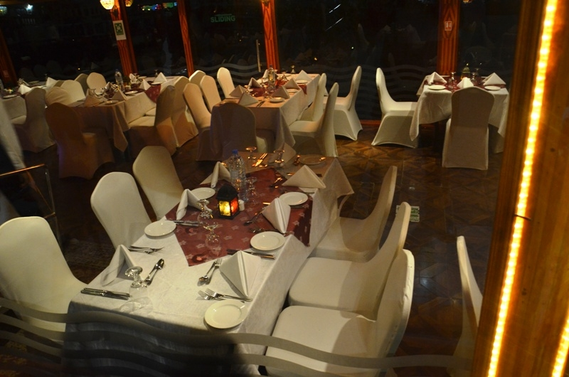 Romantic Abu Dhabi Dhow Cruise Dinner