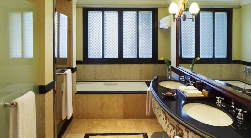 Hyatt Regency Resort Bathroom