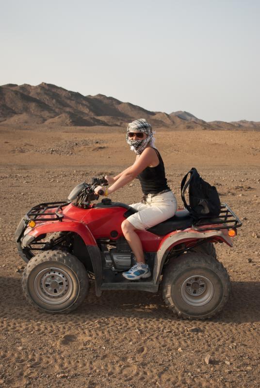 Paseo por la moto en Marsa Alam