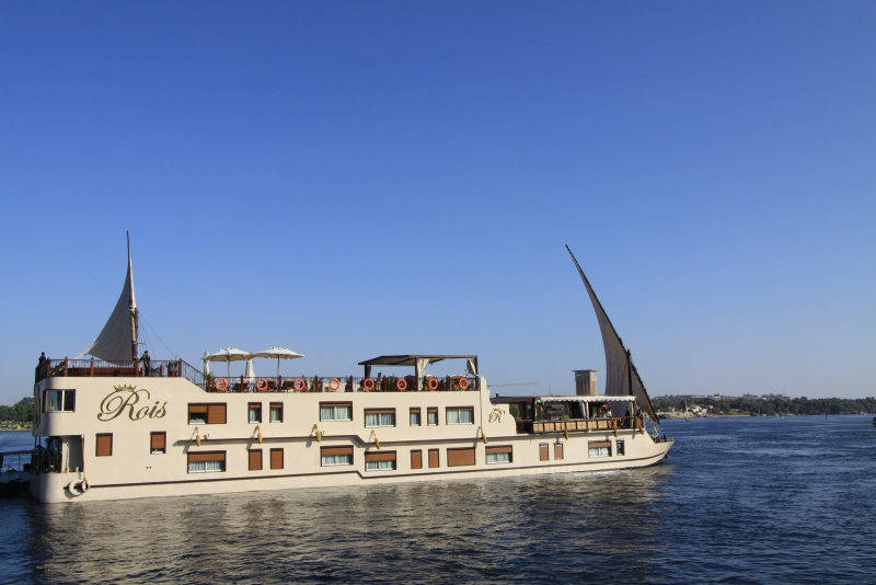 Rois Dahabiya Nile Cruise Sailing