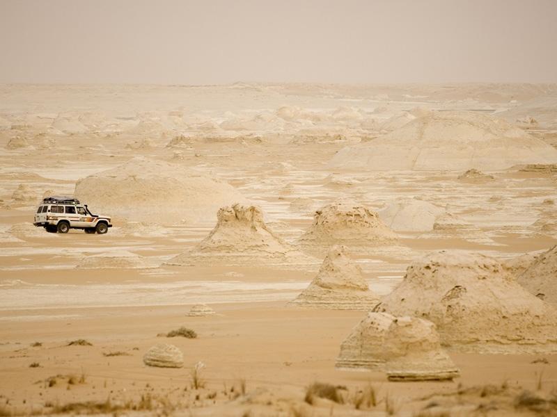 Paysage du Désert Blanc autour de Farafra