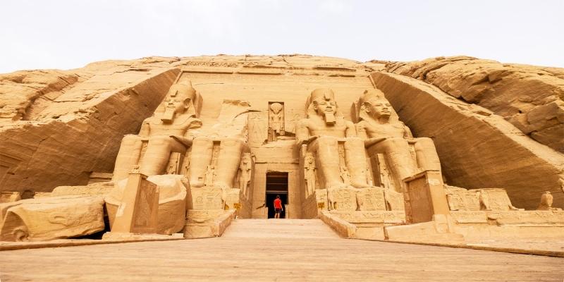 ¿Cómo Llegar a Abu Simbel desde Aswan?