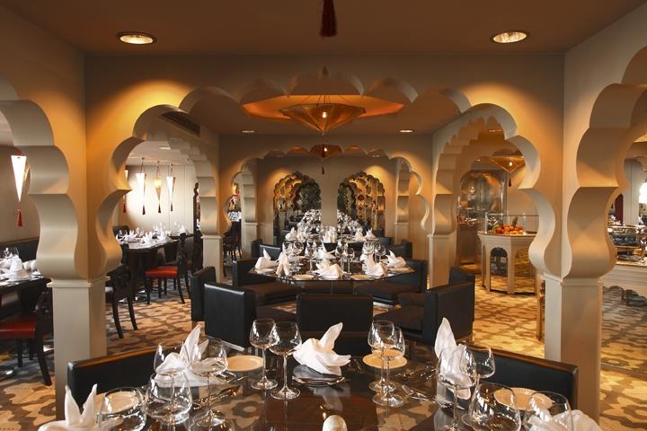 Mövenpick Darakum Nile Cruise Restaurant