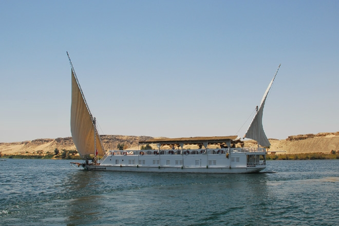 trip egypt nile sailing tour