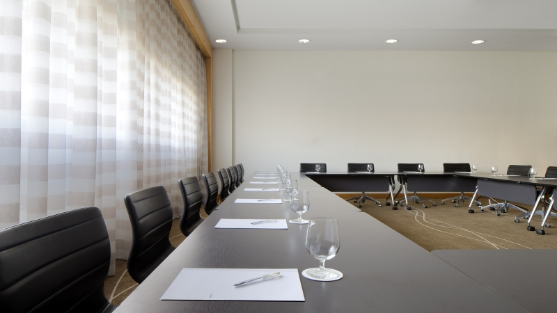 Le Meridien Cairo Airport Meeting Room