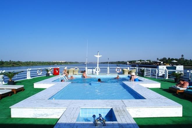 Mövenpick Sunray Nile Cruise Pool