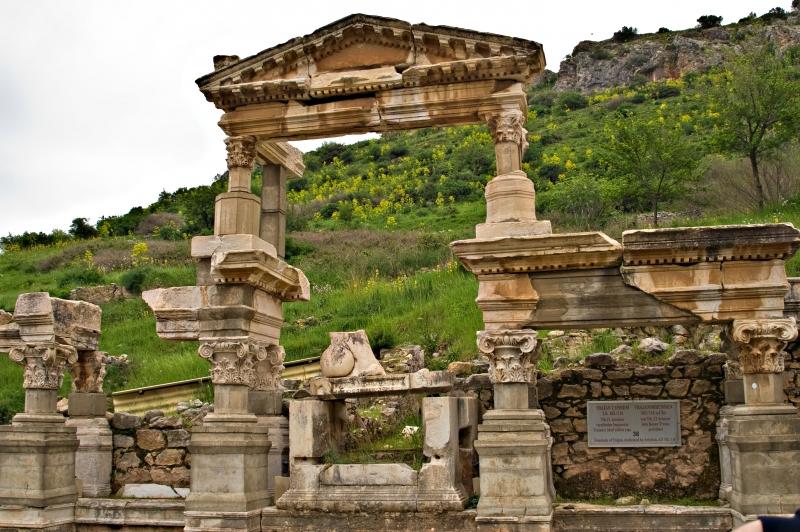 Excursão para Efeso, Casa da Virgem Maria e Templo de Atenas