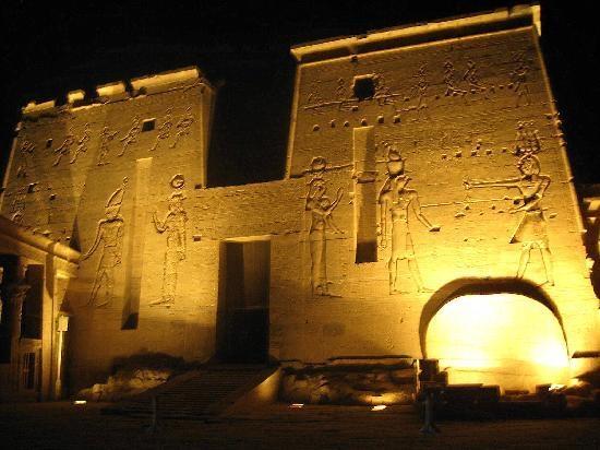 Ton- und Lichtshow im Philae Tempel
