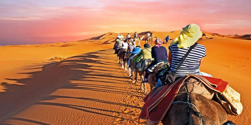 Caravana no Deserto do Marrocos