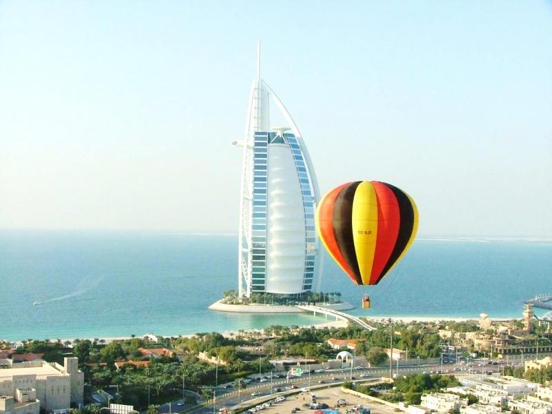 Ballonfahrt über Dubai Wüste