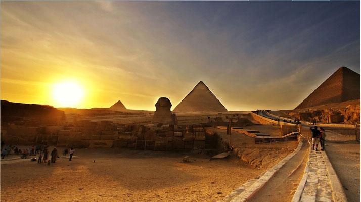 Pyramides de Gizeh et le Sphynx