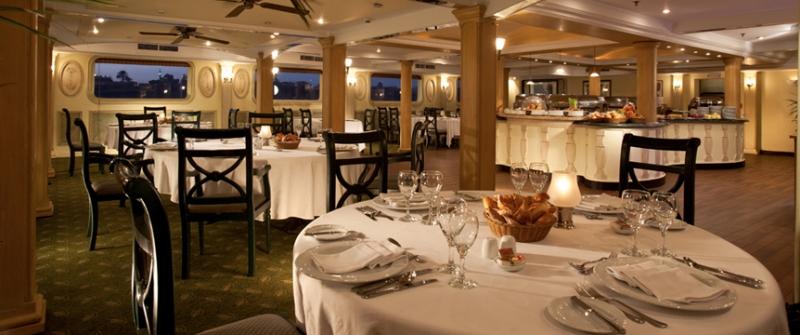 ソネスタムーンゴッデッスナイルクルーズのレストラン