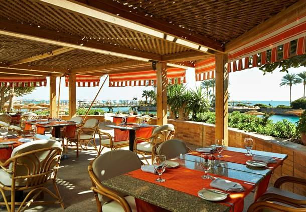 Marriott Beach Resort Outdoor Restaurant