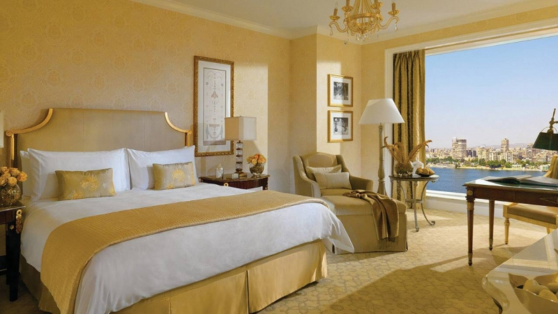 Four Seasons Hotel Room, Cairo