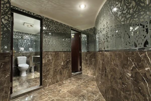 MS Hamees Nile Cruise Bathroom