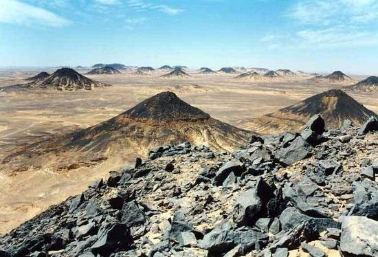 Il Deserto Nero, Deserto Occidentale