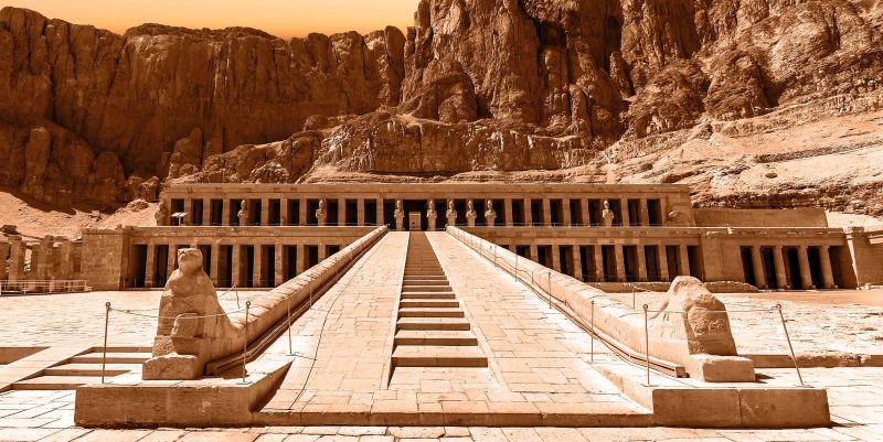 A história da rainha faraó Hatshepsut