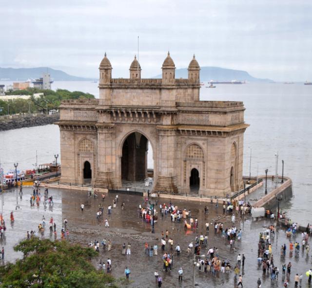 Vista a la puerta de la India desde Taj Mahal Hotel