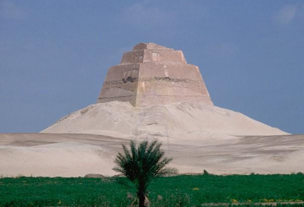 Meidum  Pyramid in Fayoum