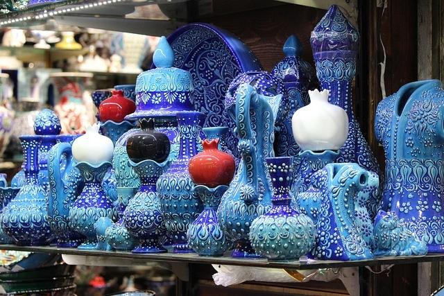 Tiendas de artesanía de cerámica en el Gran Bazar