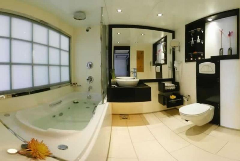 Bath Room of Movenpick Royal Lily Nile Cruise