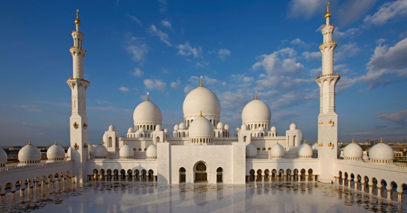 Best of Dubai and Abu Dhabi Vacation Package