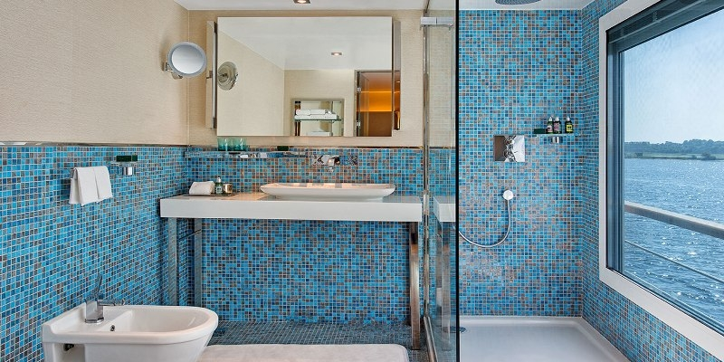 The Oberoi Philae Cruise Bathroom