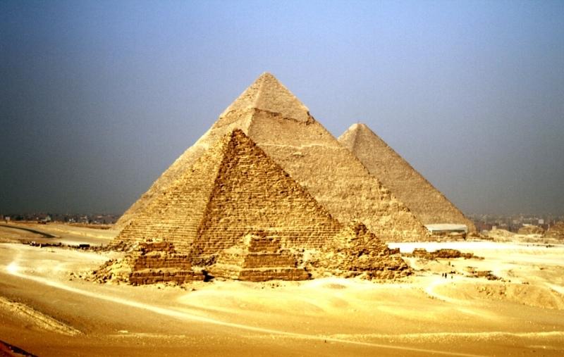 As pirâmides de Gizé - Egito
